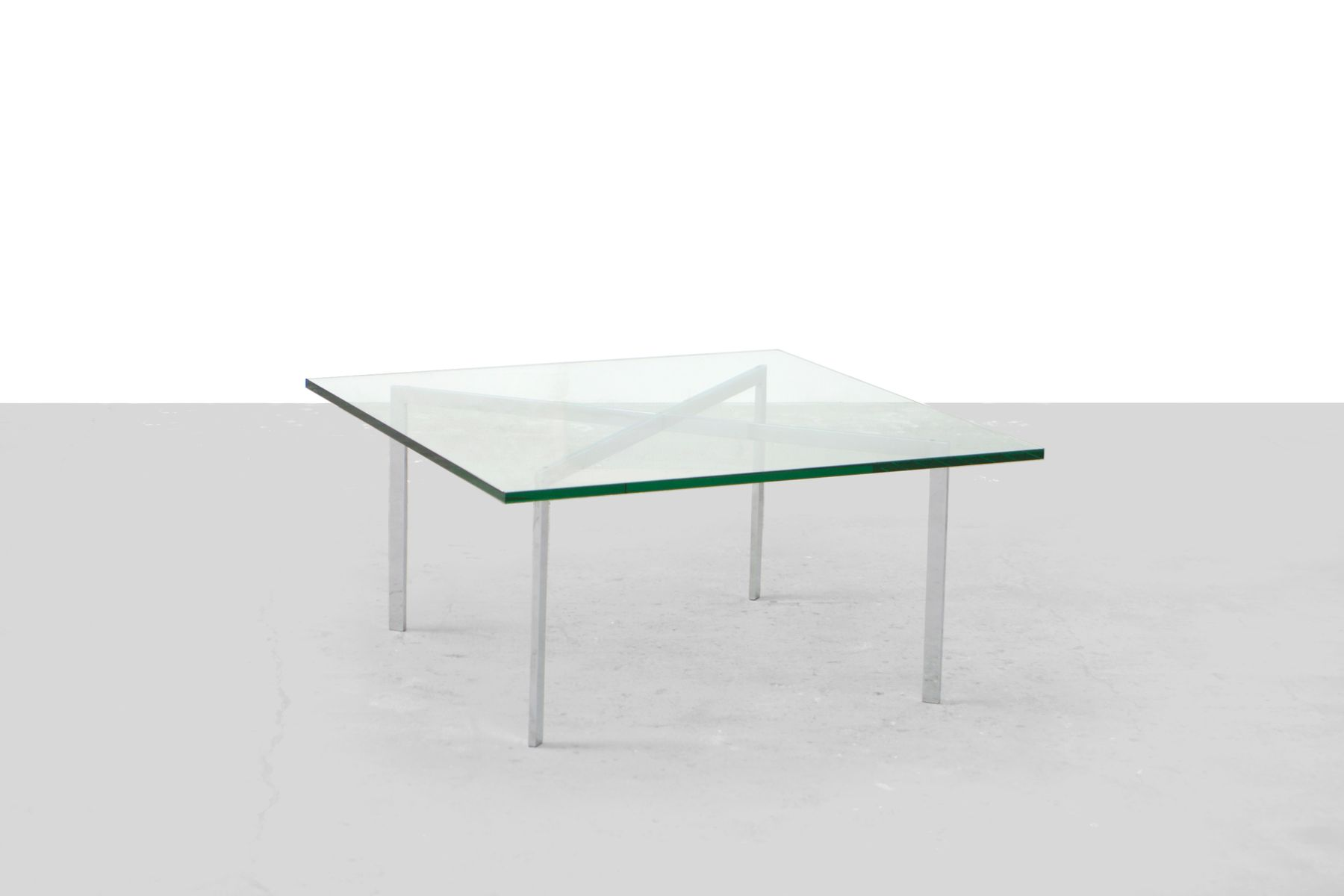 glass coffee table by mies van der rohe for knoll 1960. Black Bedroom Furniture Sets. Home Design Ideas