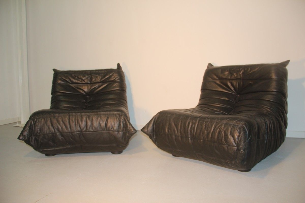 fauteuils togo par michel ducaroy pour ligne roset 1970s set de 2 en vente sur pamono. Black Bedroom Furniture Sets. Home Design Ideas
