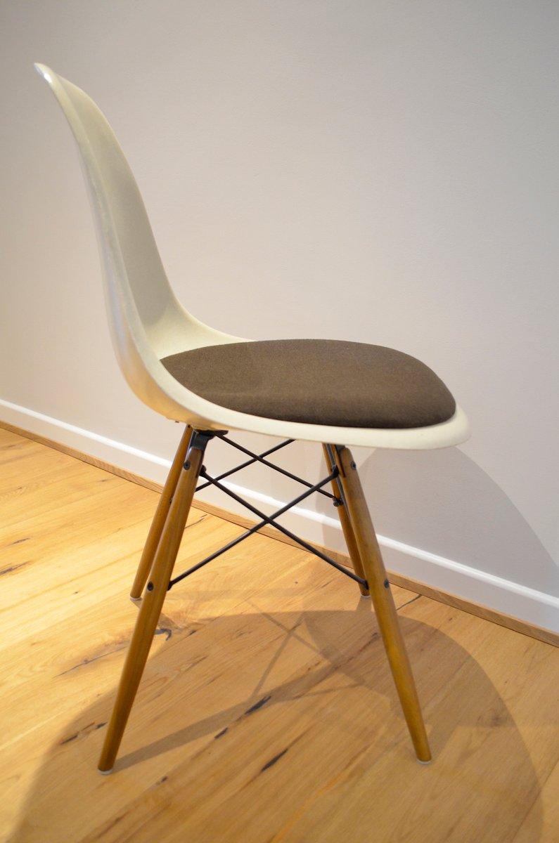 dsw stuhl von charles eames f r herman miller und vitra bei pamono kaufen. Black Bedroom Furniture Sets. Home Design Ideas