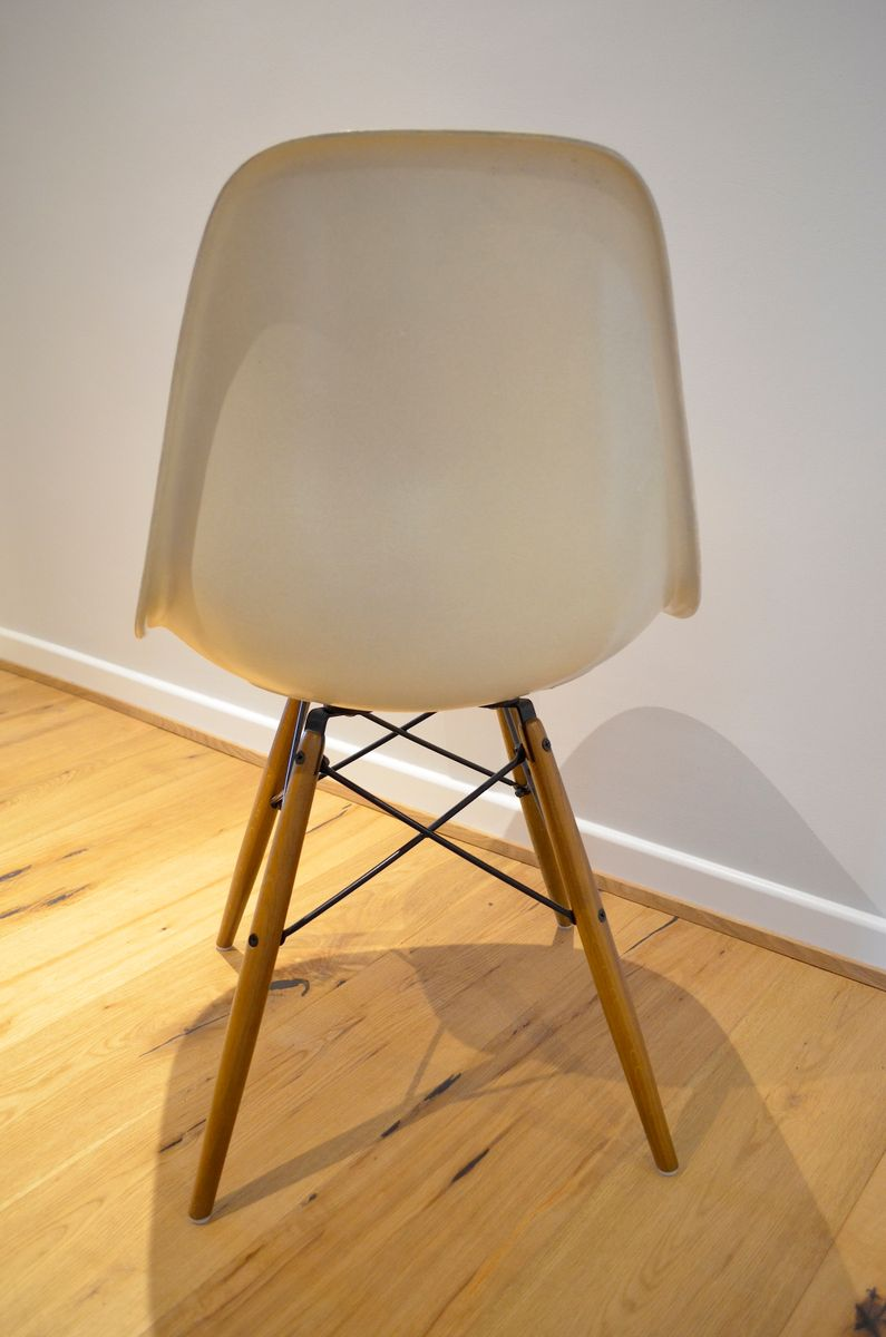 dsw stuhl von charles eames f r herman miller und vitra. Black Bedroom Furniture Sets. Home Design Ideas