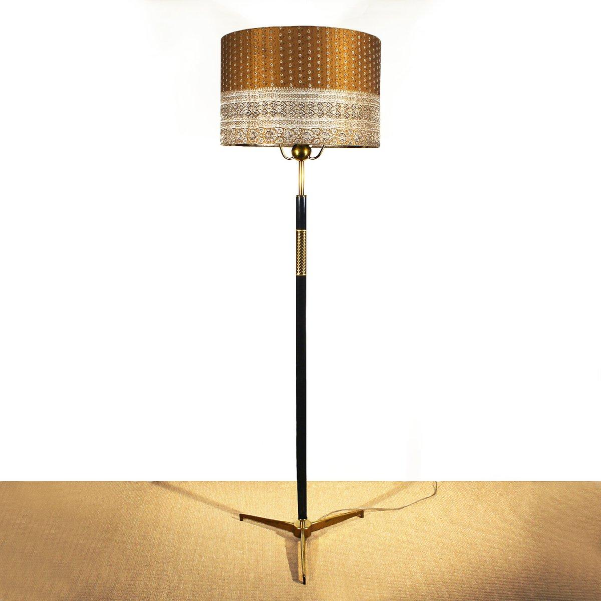 italienische stehlampe mit lampenschirm aus seide 1940er bei pamono kaufen. Black Bedroom Furniture Sets. Home Design Ideas