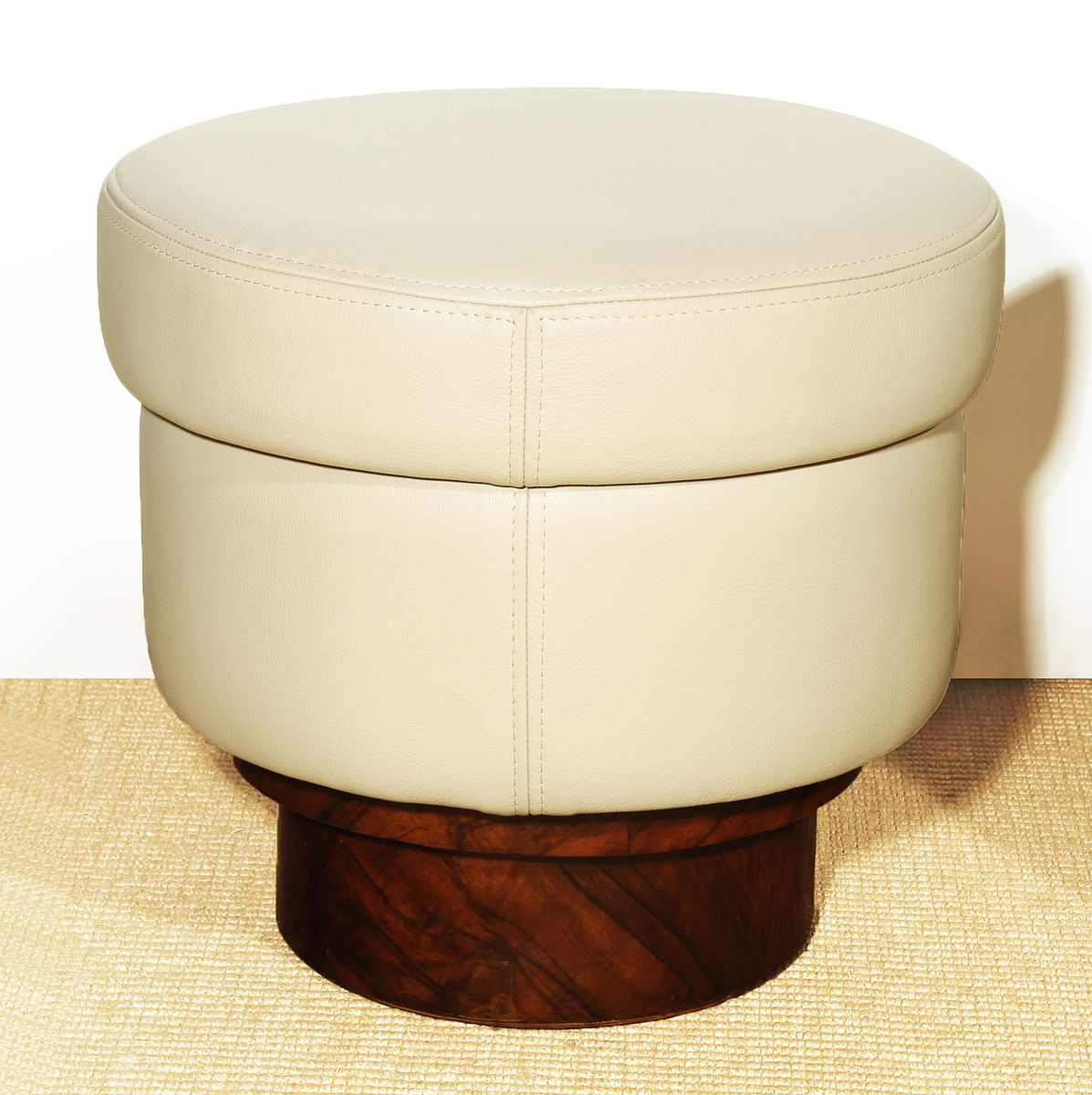 italian round beige leather poufs s set of  for sale at pamono - italian round beige leather poufs s set of