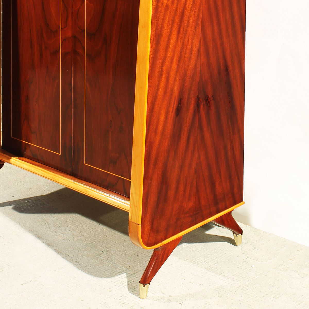 armoire en acajou et palissandre italie 1950s en vente sur pamono. Black Bedroom Furniture Sets. Home Design Ideas