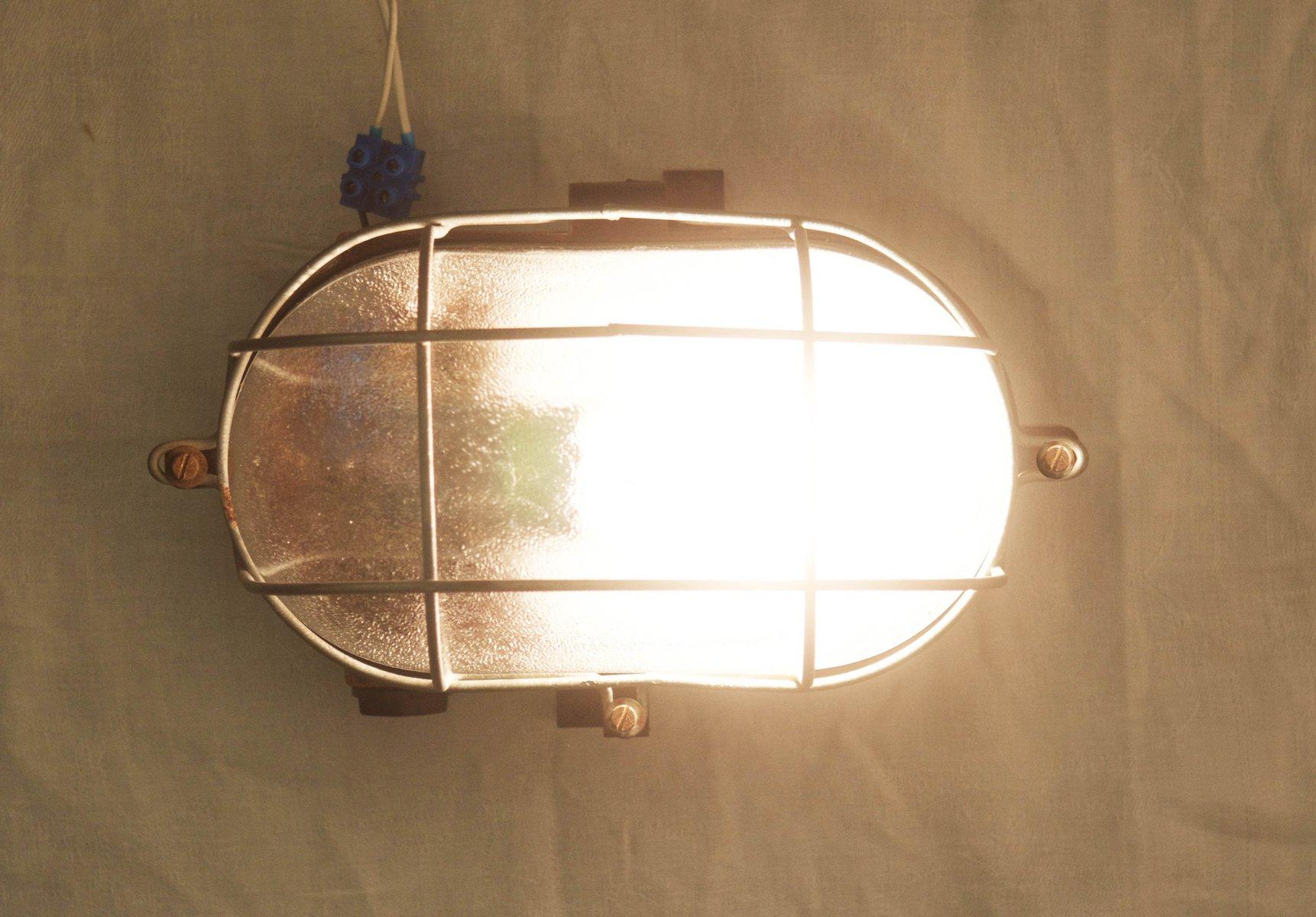 Lampe murale ou plafonnier industriel en bak lite 1948 en - Lampe articulee murale ...