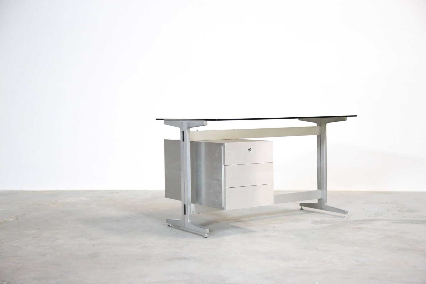 schreibtisch mit tischplatte aus glas von etienne. Black Bedroom Furniture Sets. Home Design Ideas