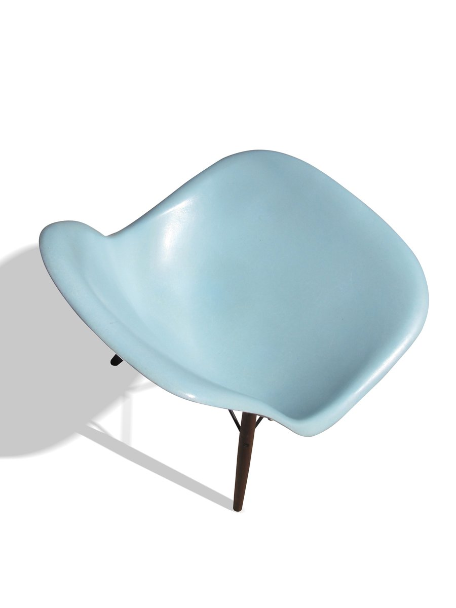Robin 39 s egg blue dsw chair by charles and ray eames for for Charles eames chaise dsw