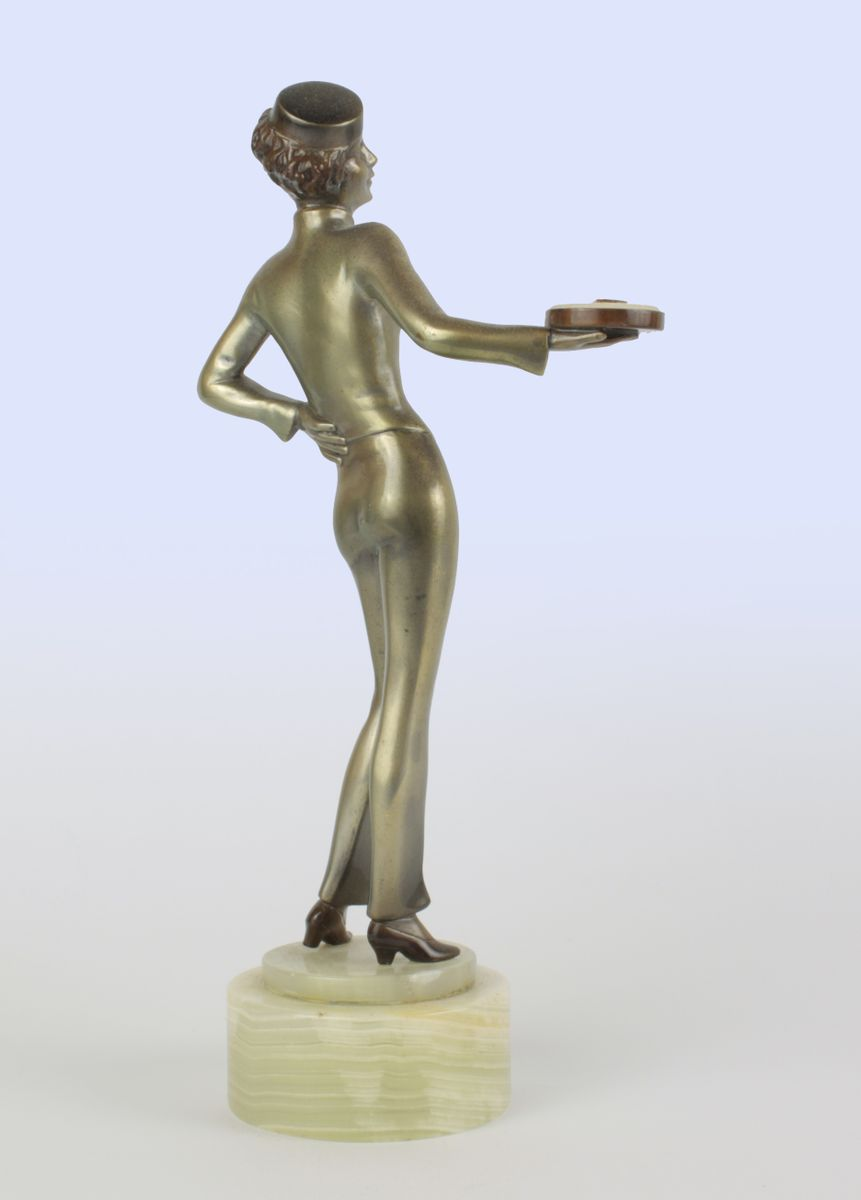 Viennese art deco bronze bellhop figure by lorenzl 1930 for Miroir art deco 1930