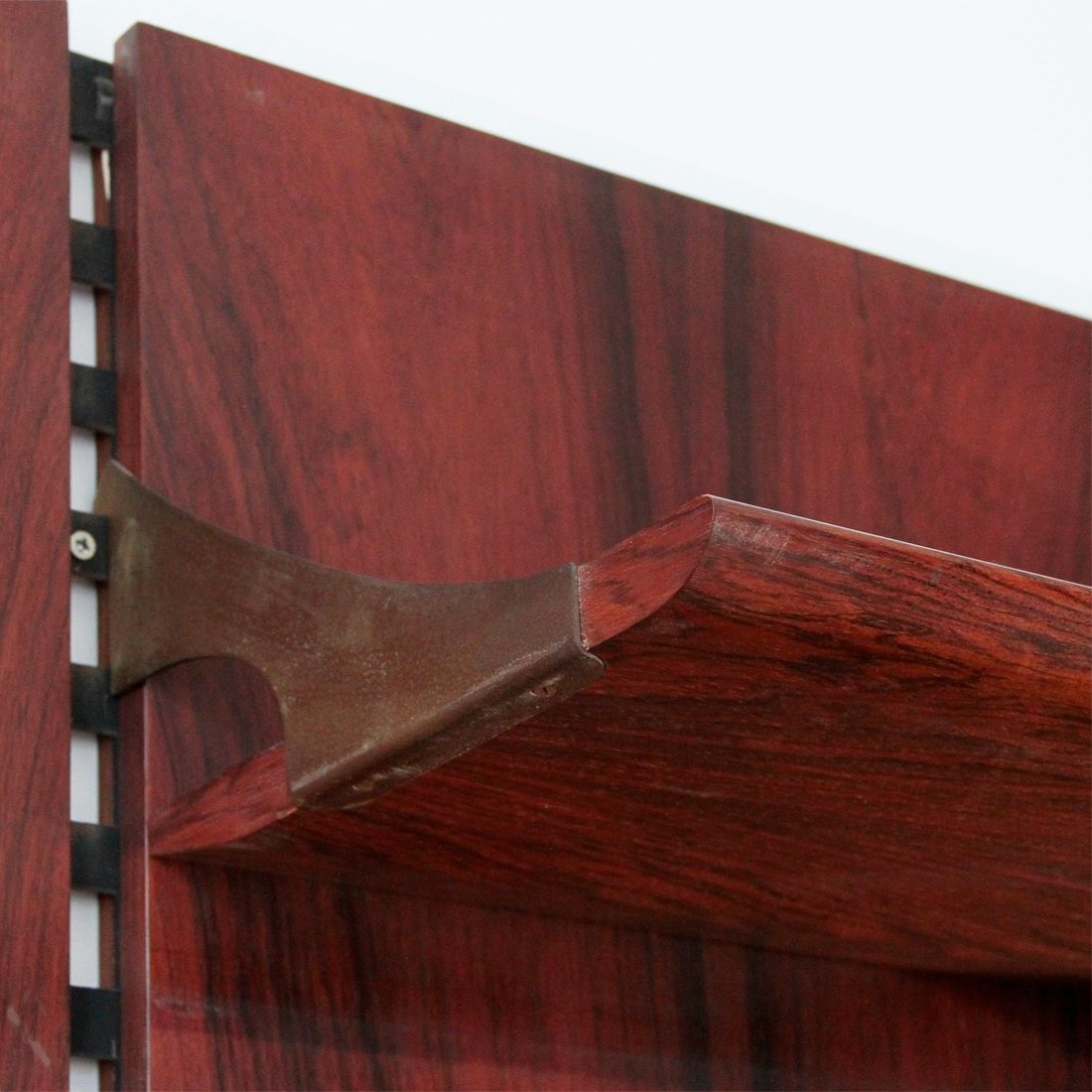 Italian rosewood wall unit by raffaella crespi for mobilia for Mobilia italia