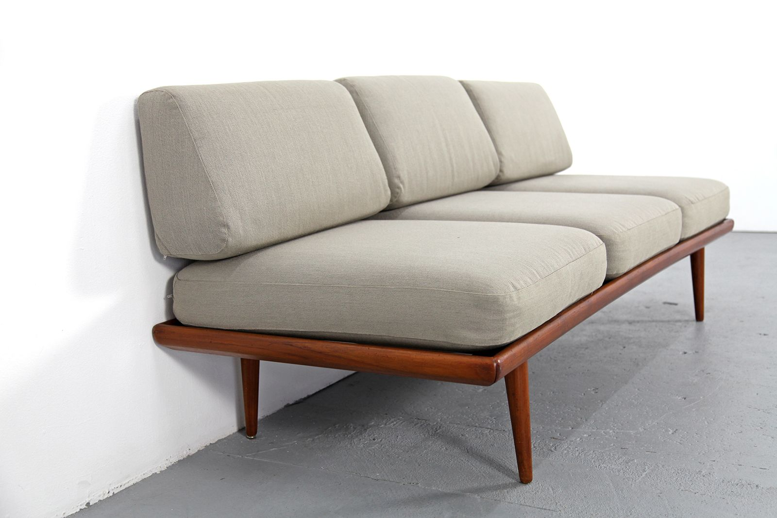 minverva schlafcouch von peter hvidt orla molgaard nielsen bei pamono kaufen. Black Bedroom Furniture Sets. Home Design Ideas