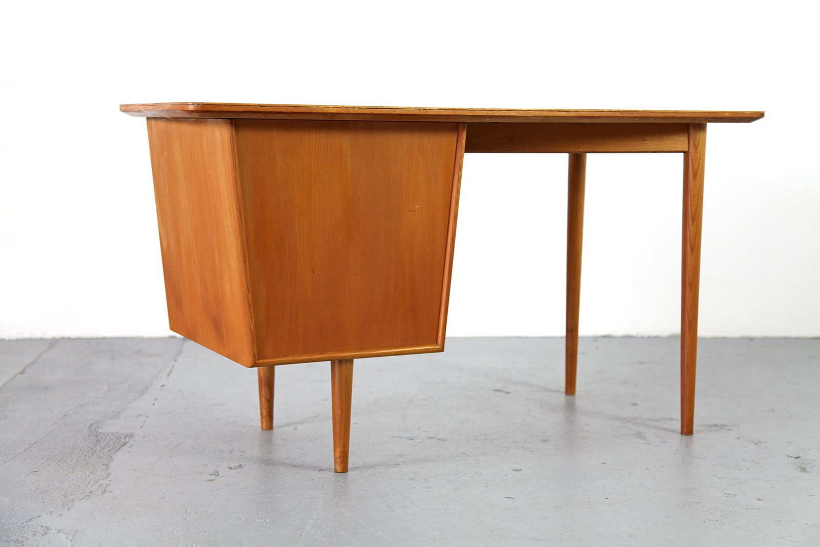 Small mid century modern desk 1950s for sale at pamono for Modern office desk for sale