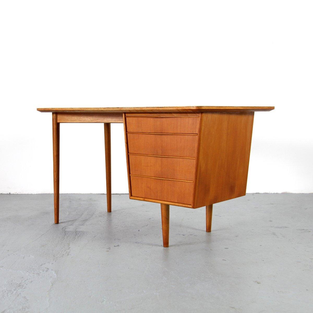 Mid Century Modern Desk: Small Mid-Century Modern Desk, 1950s For Sale At Pamono