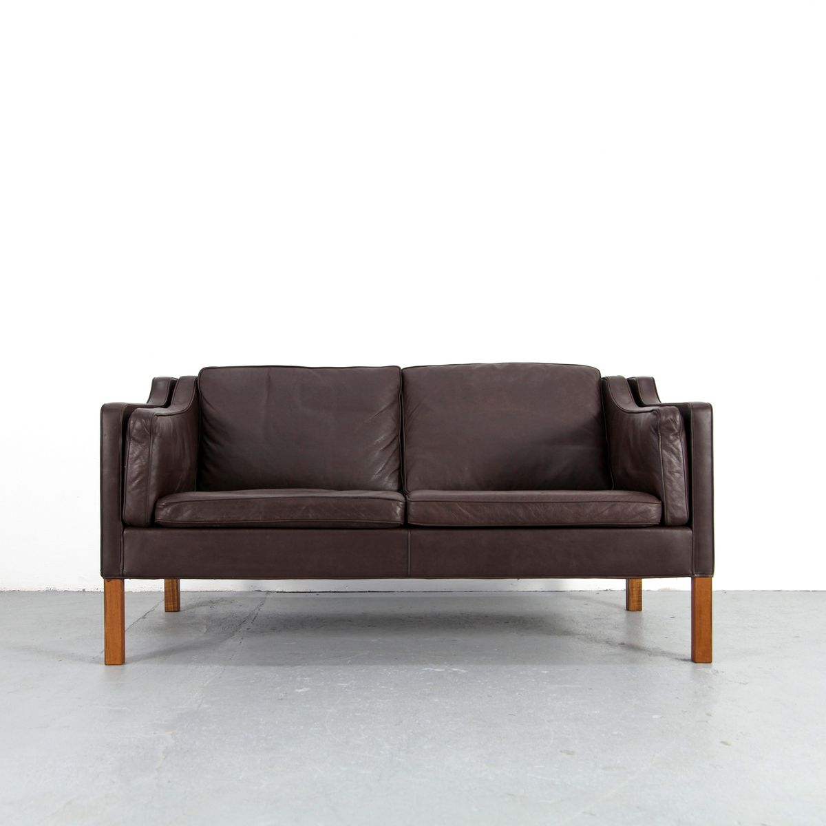 2212 two seater sofa by b rge mogensen for fredericia. Black Bedroom Furniture Sets. Home Design Ideas