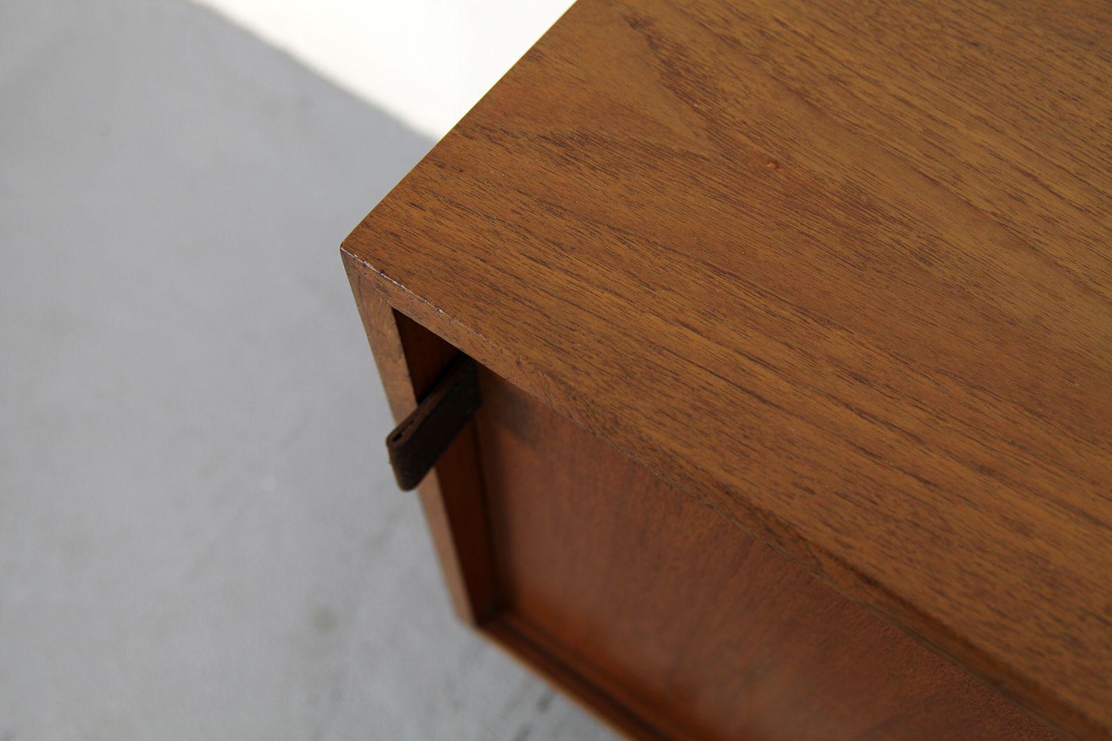 enfilade en teck par florence knoll pour knoll international 1950s en vente sur pamono. Black Bedroom Furniture Sets. Home Design Ideas