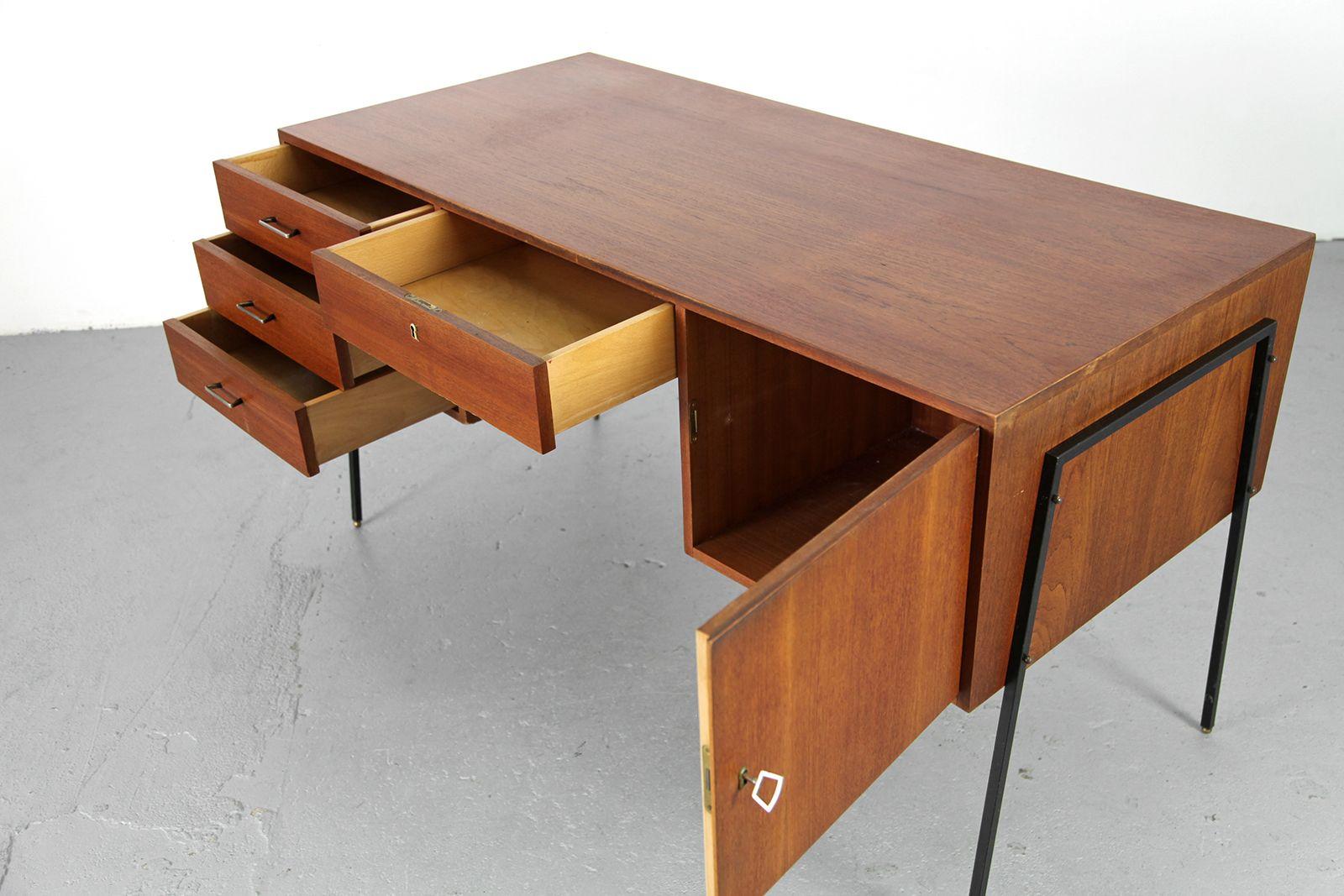 teak schreibtisch mit details aus messing 1950er bei. Black Bedroom Furniture Sets. Home Design Ideas