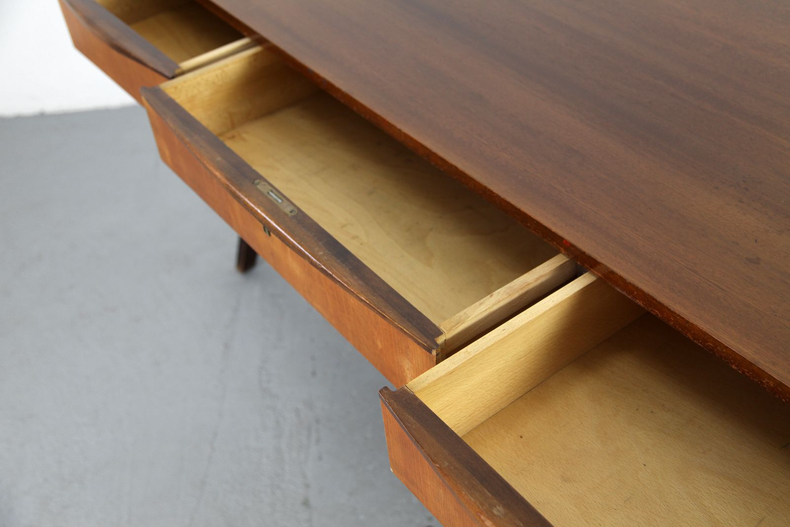mid century walnut desk from behr m bel 1950s for sale at pamono. Black Bedroom Furniture Sets. Home Design Ideas