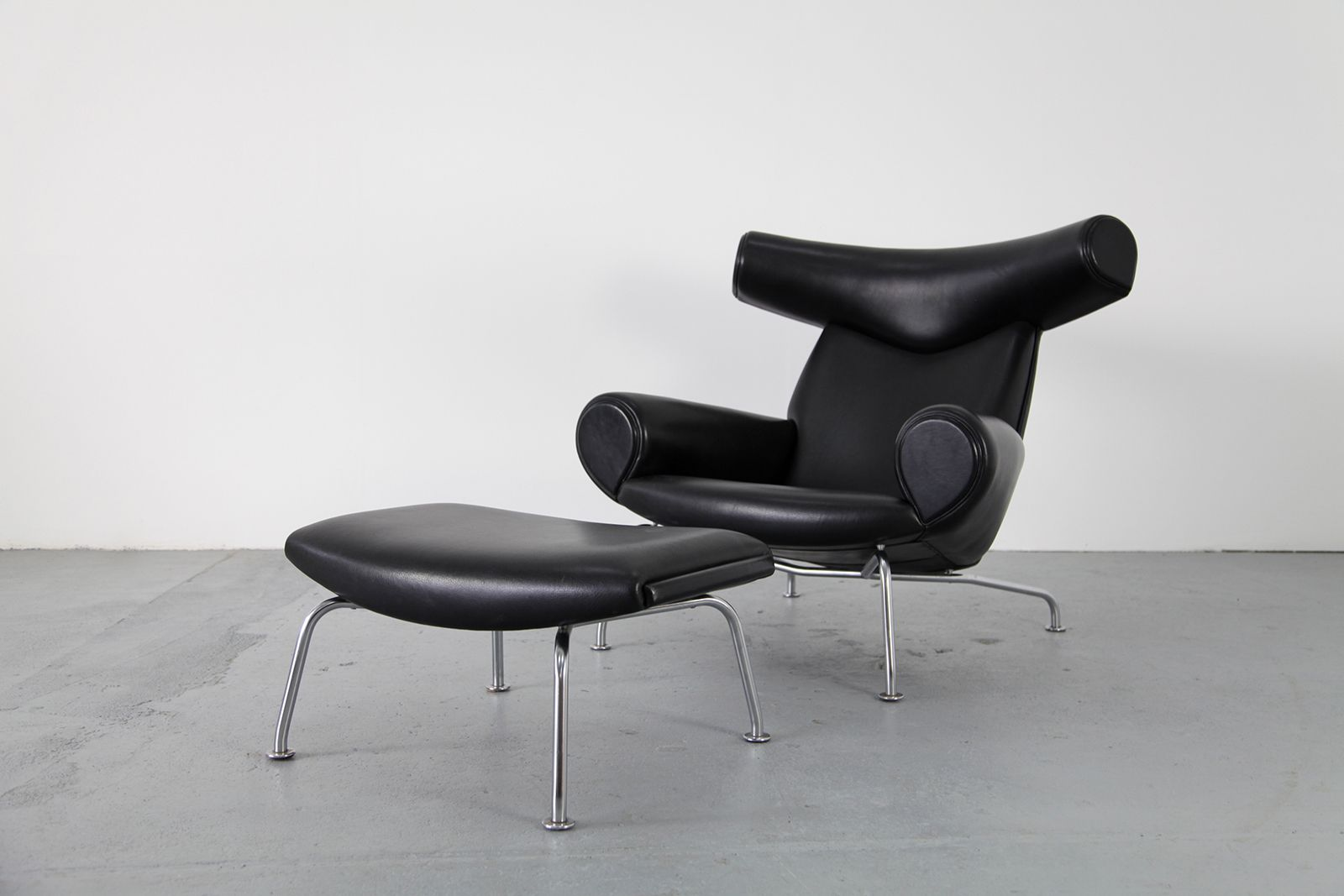 ox chair with ottoman by hans j wegner for ap stolen for. Black Bedroom Furniture Sets. Home Design Ideas