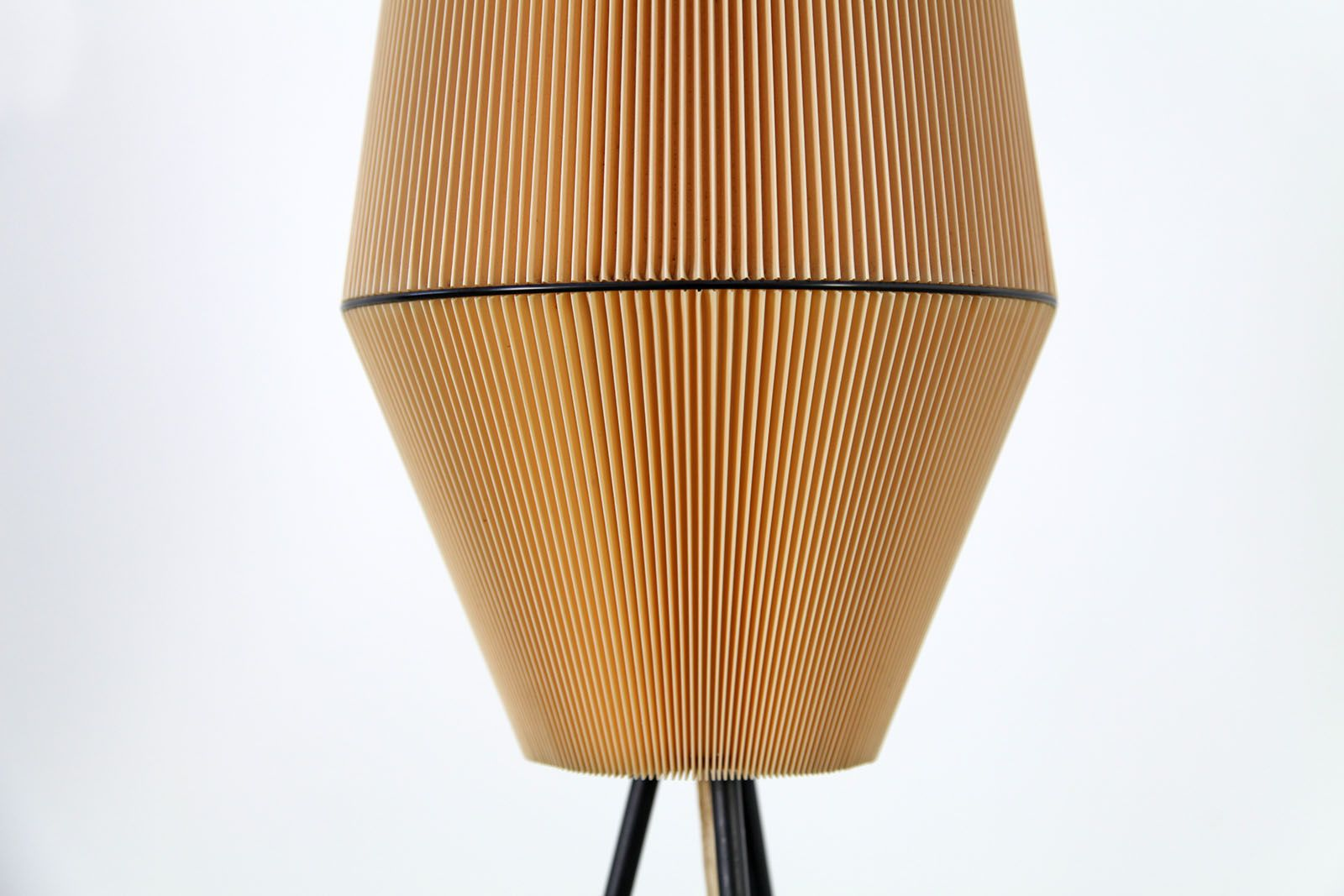three legged floor lamp 1960s for sale at pamono. Black Bedroom Furniture Sets. Home Design Ideas