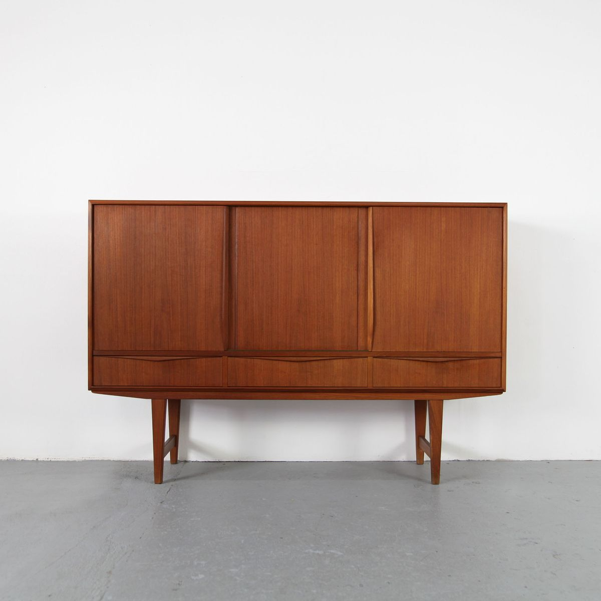 vintage danish teak highboard 1960s for sale at pamono. Black Bedroom Furniture Sets. Home Design Ideas