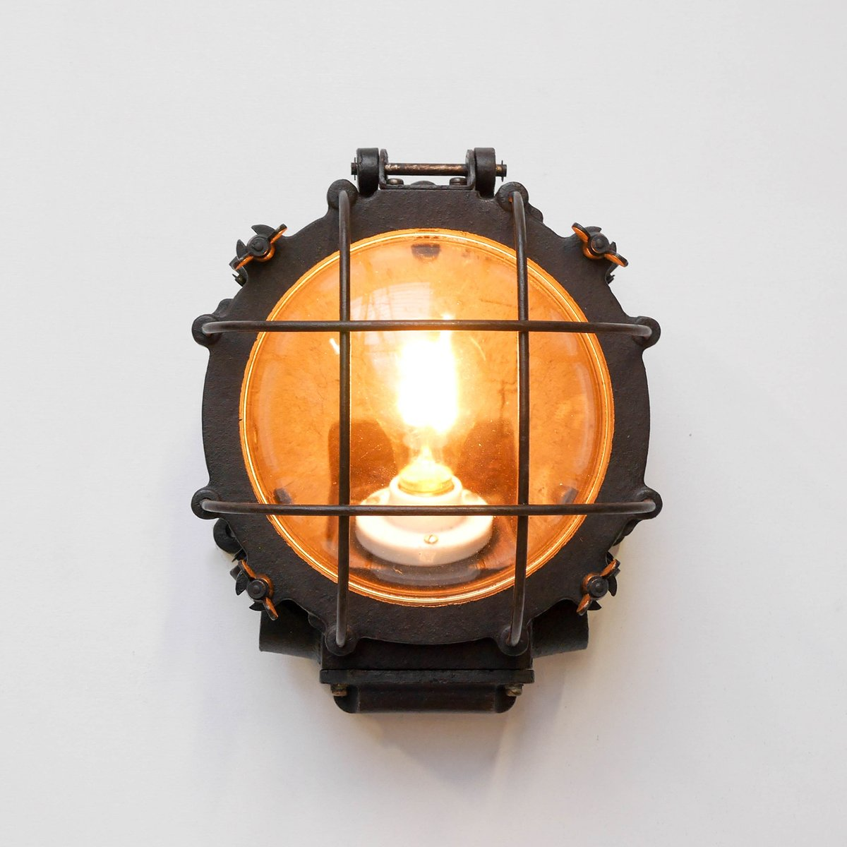 vintage industrial wall light for sale at pamono. Black Bedroom Furniture Sets. Home Design Ideas