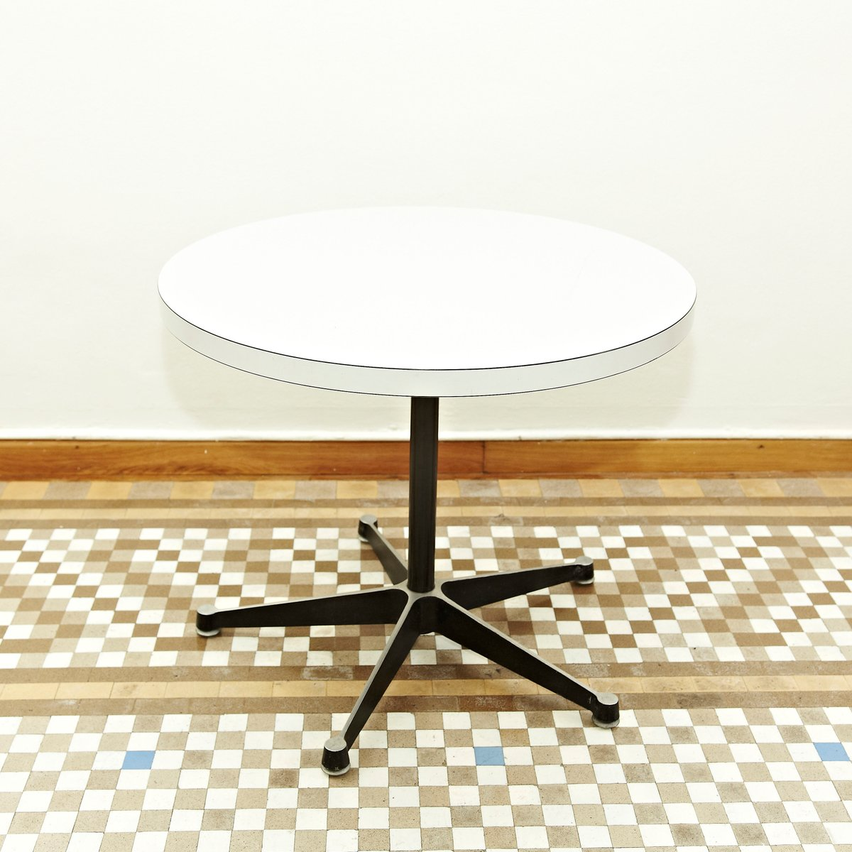Coffee table by charles ray eames for herman miller for Eames replica deutschland