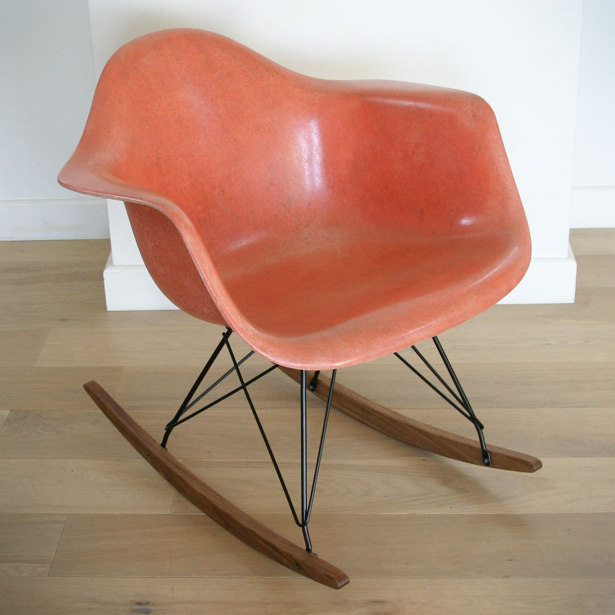 Rar rocking chair by eames for herman miller for sale at for Eames replica schaukelstuhl