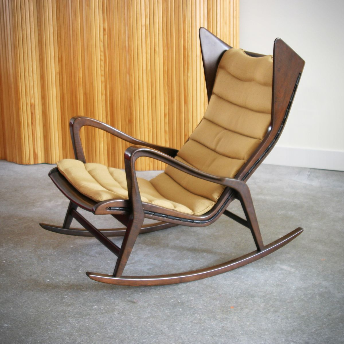 Wonderful image of Vintage Rocking Chair by Gio Ponti for Cassina for sale at Pamono with #A67725 color and 1200x1200 pixels