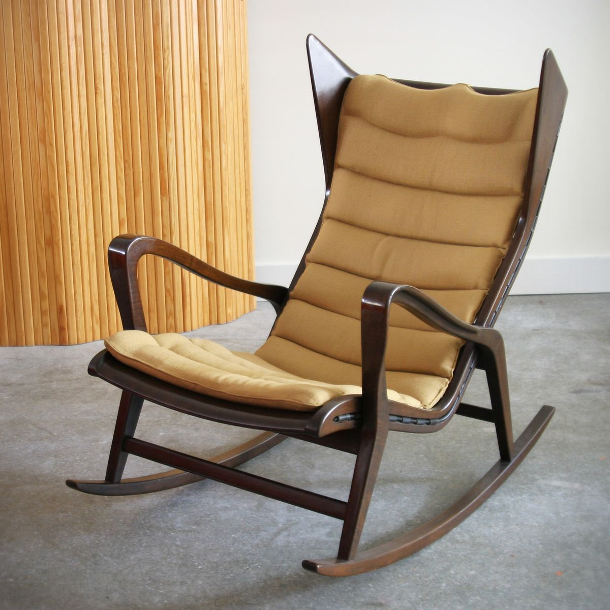 Wonderful image of Vintage Rocking Chair by Gio Ponti for Cassina for sale at Pamono with #A87523 color and 1200x1200 pixels