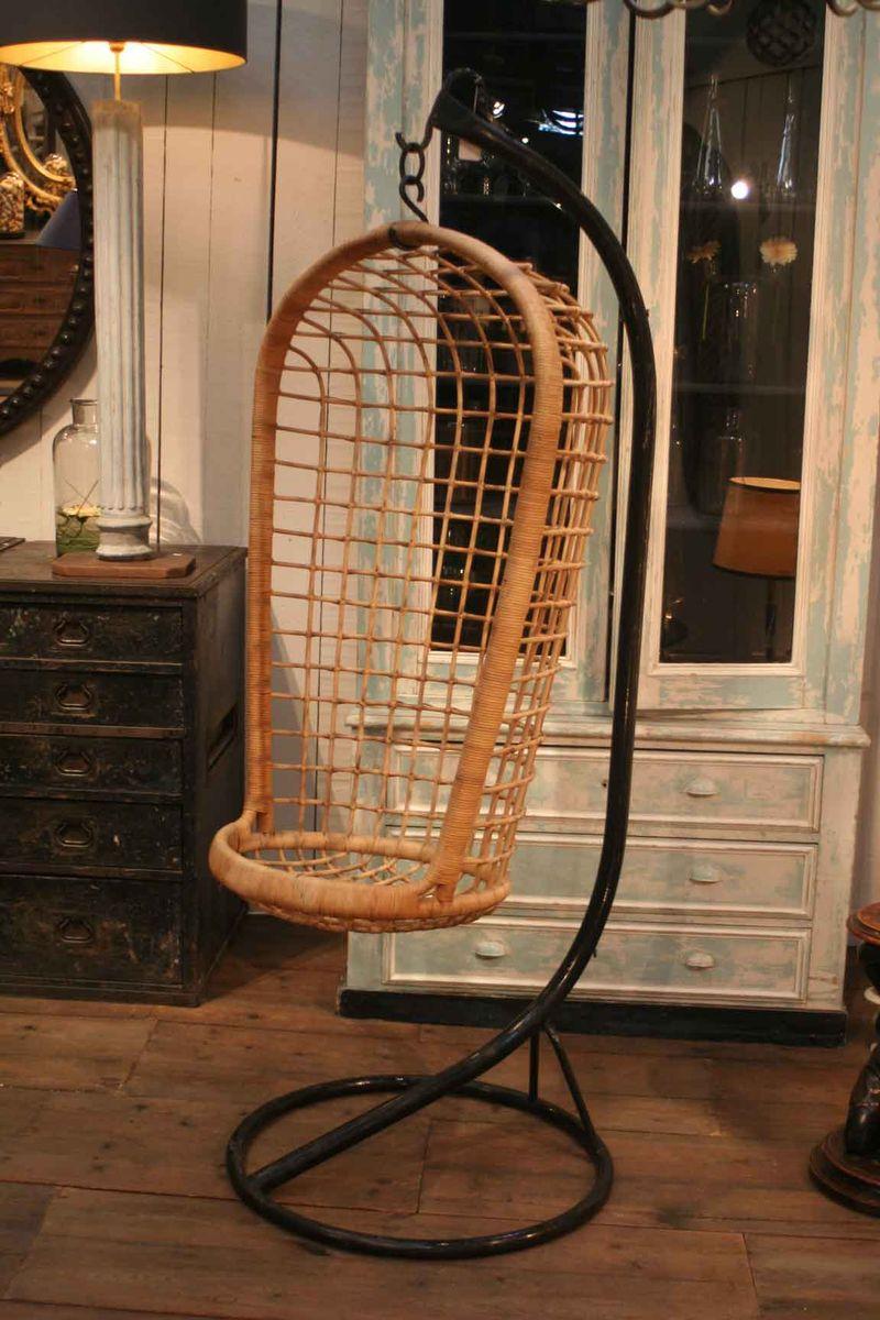 fauteuil suspendu vintage en rotin en vente sur pamono. Black Bedroom Furniture Sets. Home Design Ideas