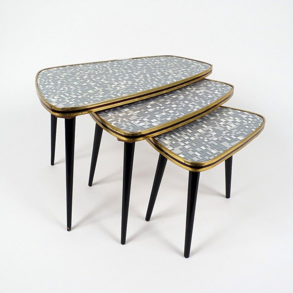 Formica nesting tables 1950s set of 3 for sale at pamono for Formica table