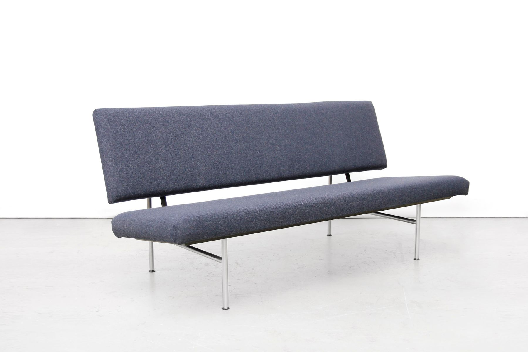 Model 1720 industrial sofa by a r cordemeijer for gispen for Sofa industrial