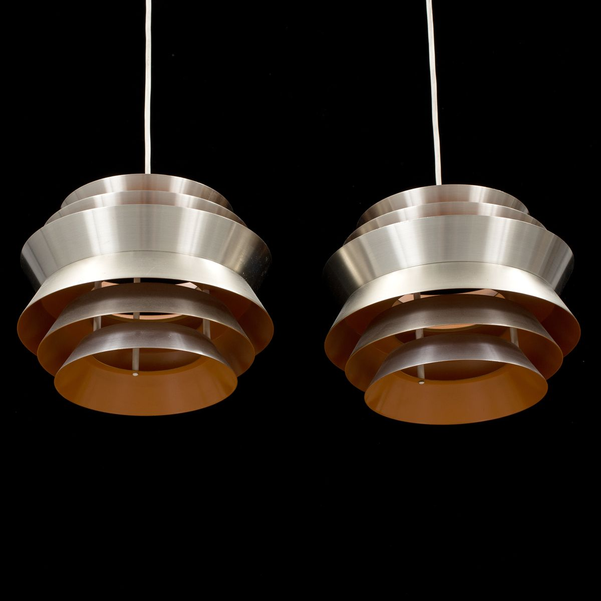 Vintage trava suspension lamps by carl thore for granhaga for Suspension 2 lampes