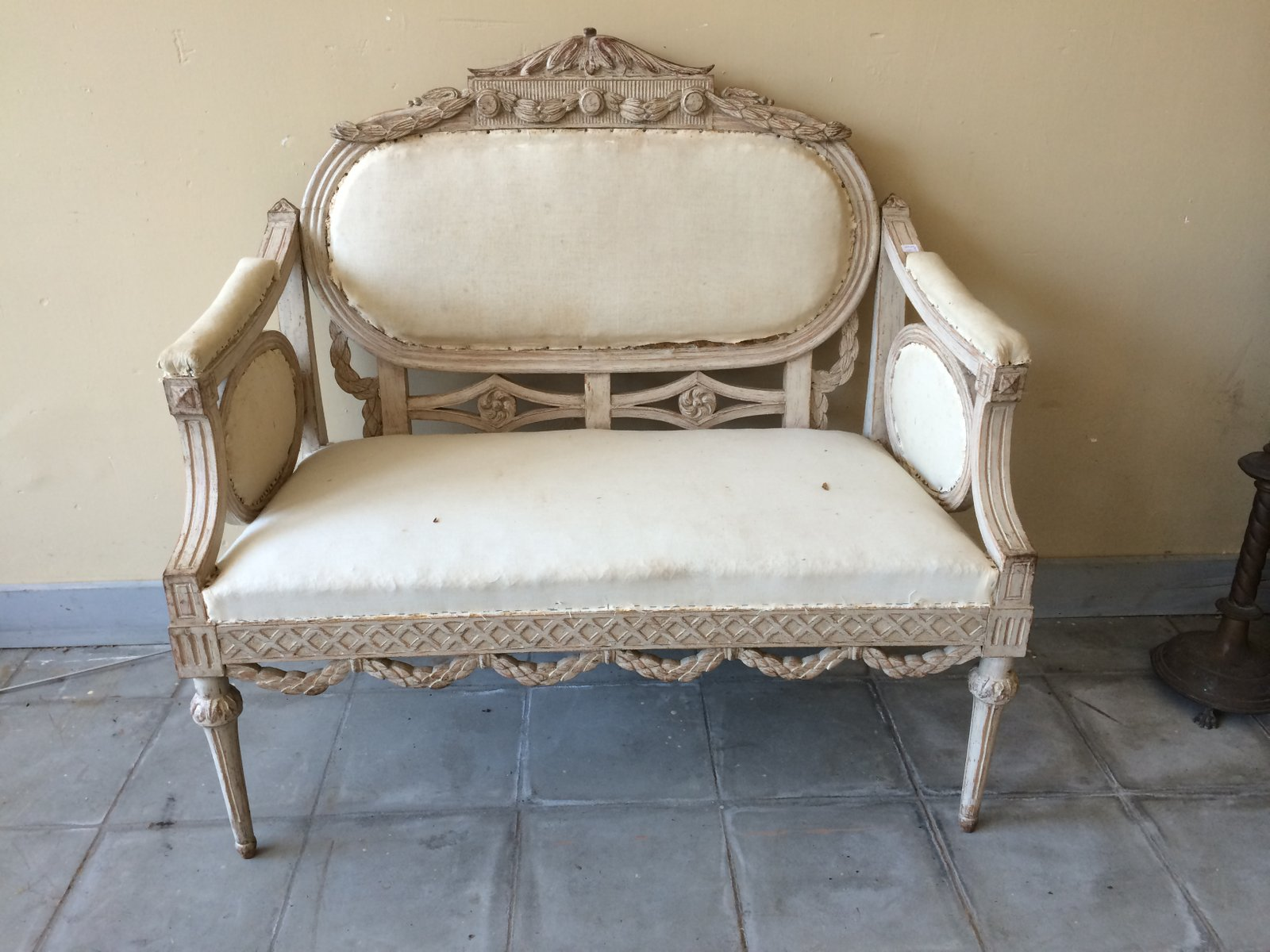 Antique Swedish Sofa 1840s for sale at Pamono