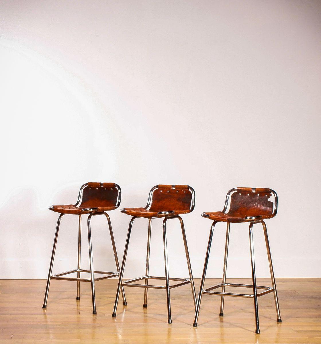 tabourets de bar par charlotte perriand pour les arcs ski. Black Bedroom Furniture Sets. Home Design Ideas