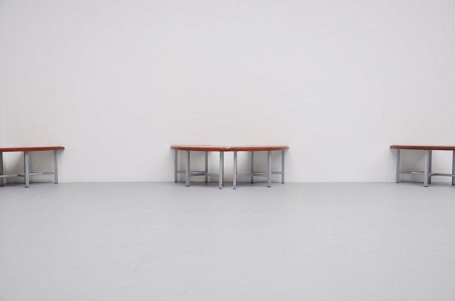 industrielle runde leder bank 1970er bei pamono kaufen. Black Bedroom Furniture Sets. Home Design Ideas