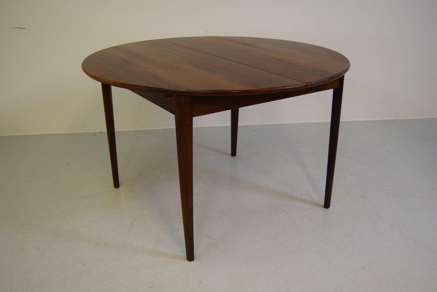 Model 38 dining table by rosengren hansen for brande for Tinning table model