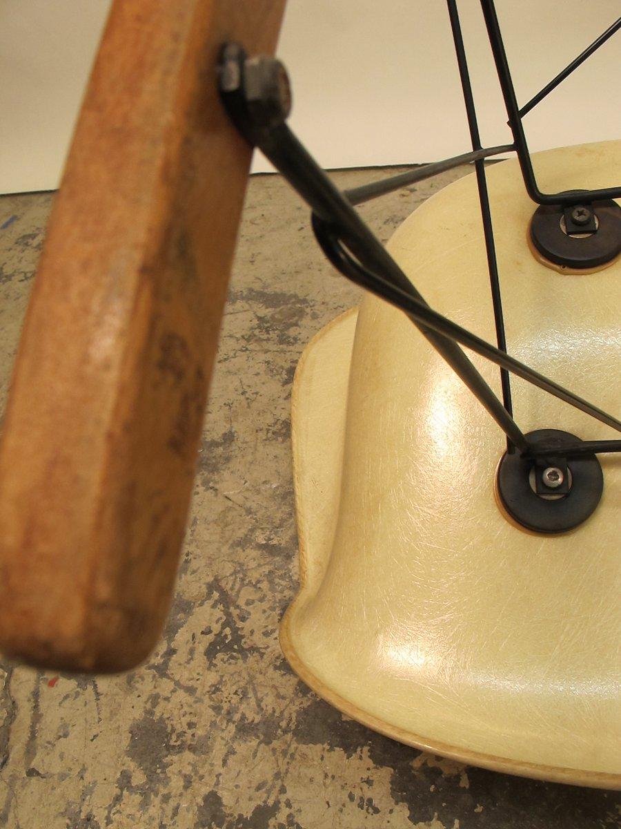 rar chair von charles und ray eames f r herman miller 1940er bei. Black Bedroom Furniture Sets. Home Design Ideas