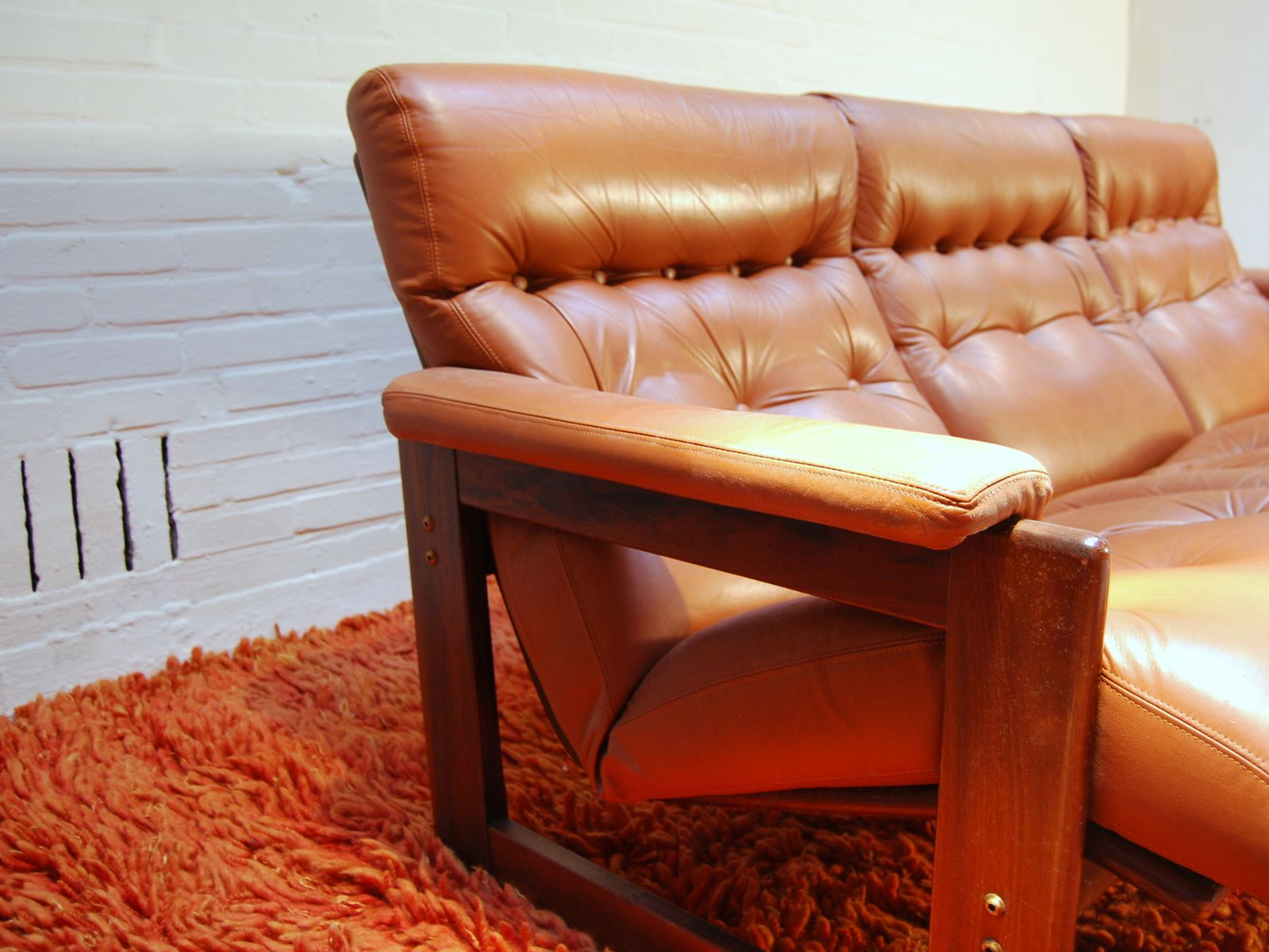 Vintage 3 seater leather sofa 1960s for sale at pamono for Leather sofa 7 seater