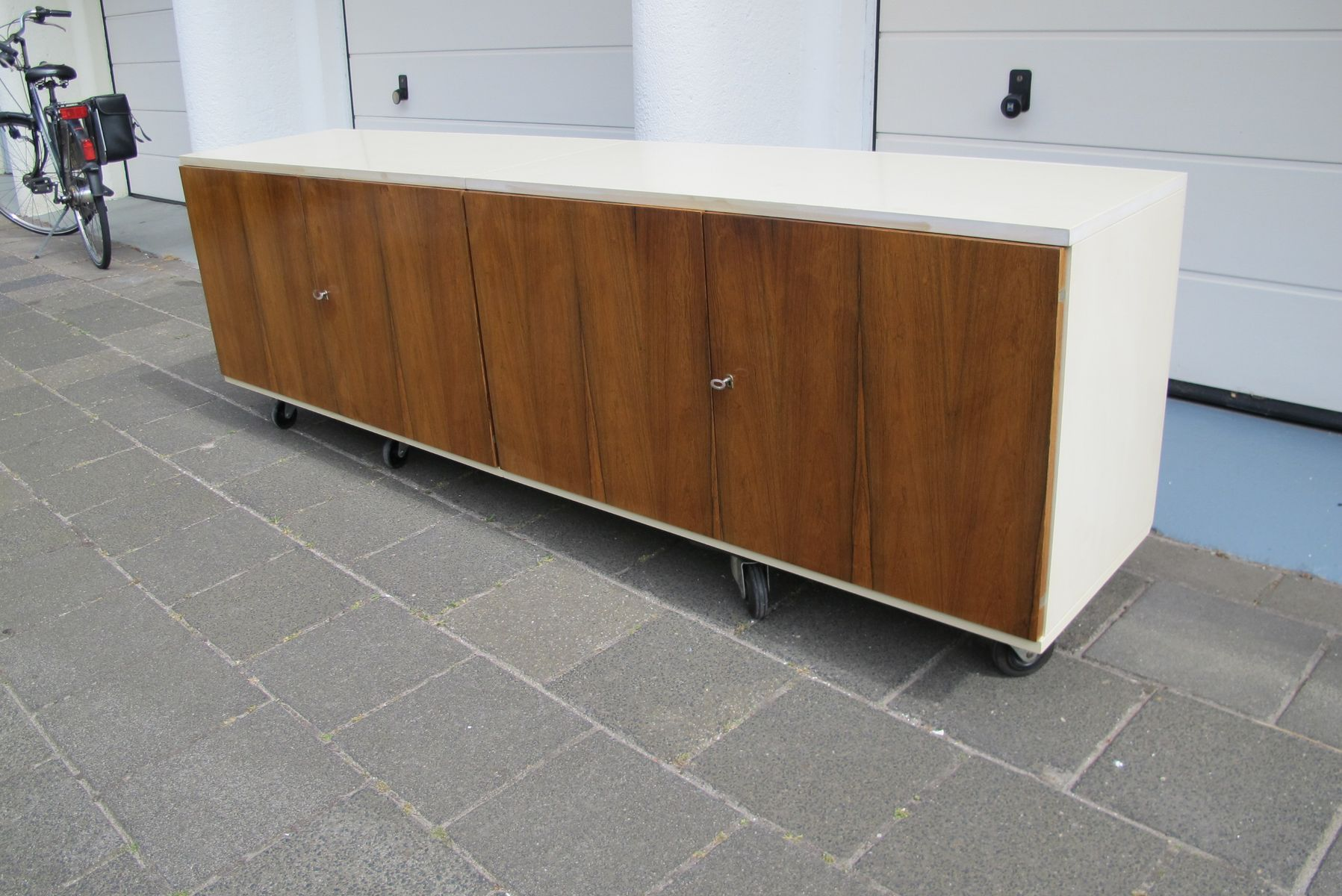 Rosewood floating sideboard from wk mobel for sale at pamono for Vintage mobel sideboard