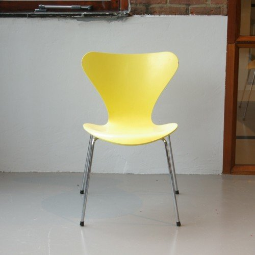 3107 Yellow Butterfly Chair By Arne Jacobsen For Sale At