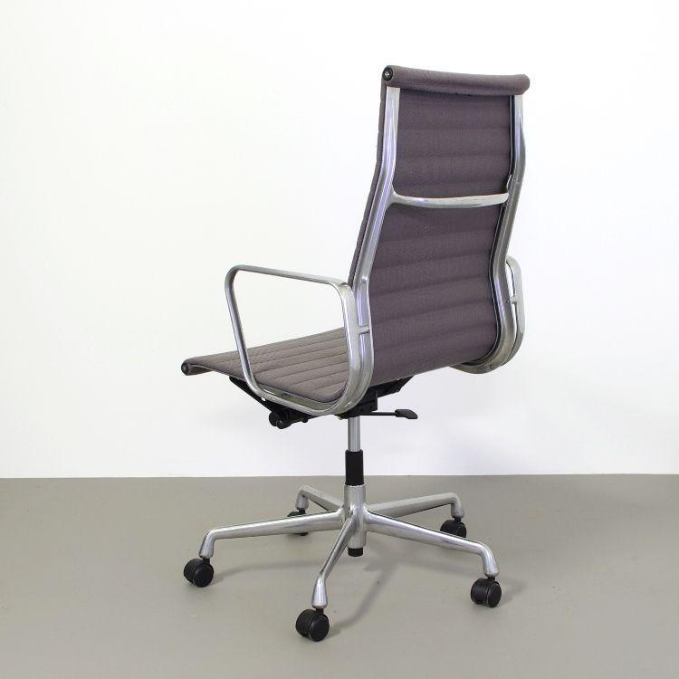 ea119 schreibtischstuhl von charles und ray eames f r vitra bei pamono kaufen. Black Bedroom Furniture Sets. Home Design Ideas