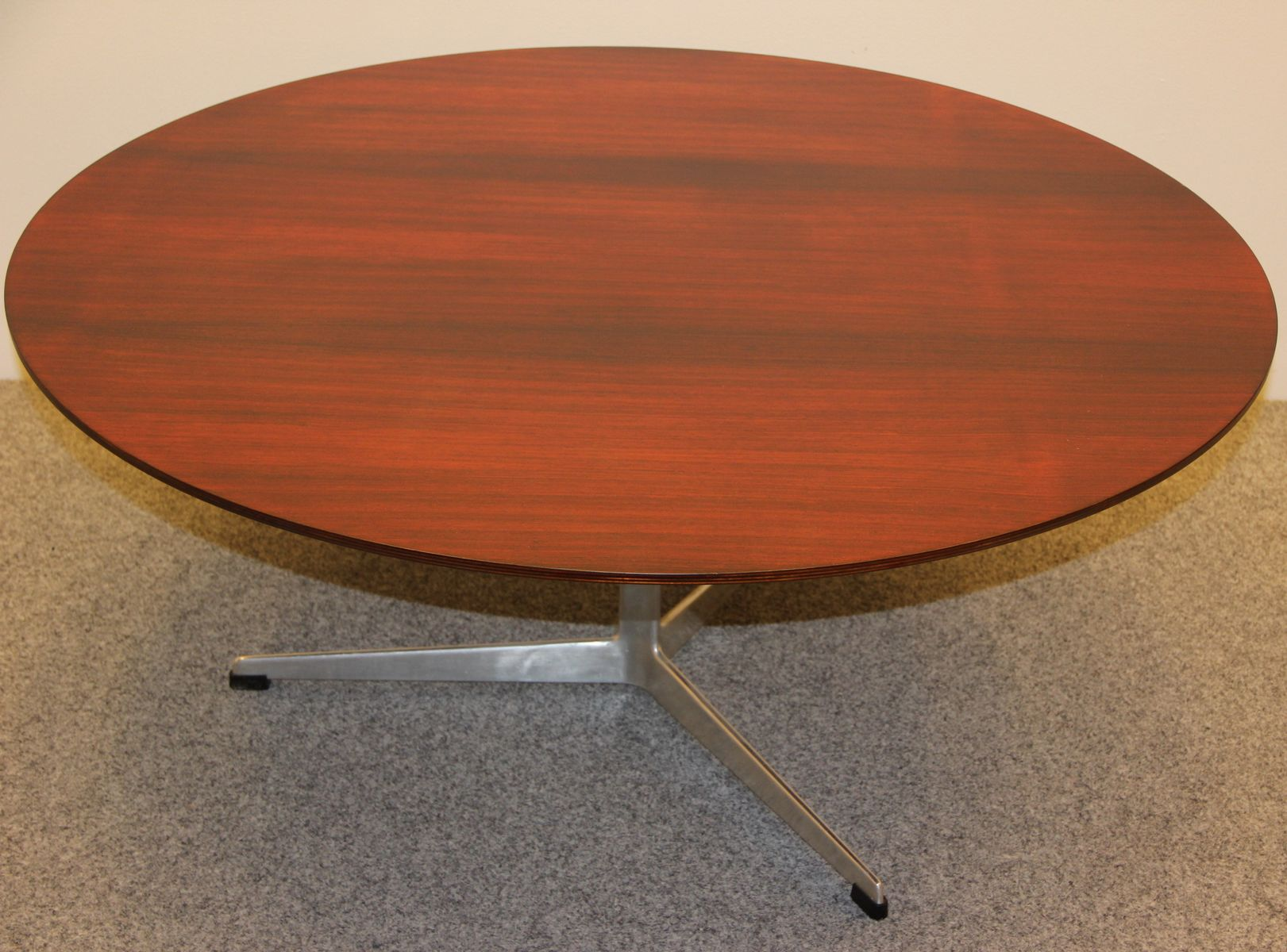 3513 Coffee Table By Arne Jacobsen For Fritz Hansen For Sale At Pamono