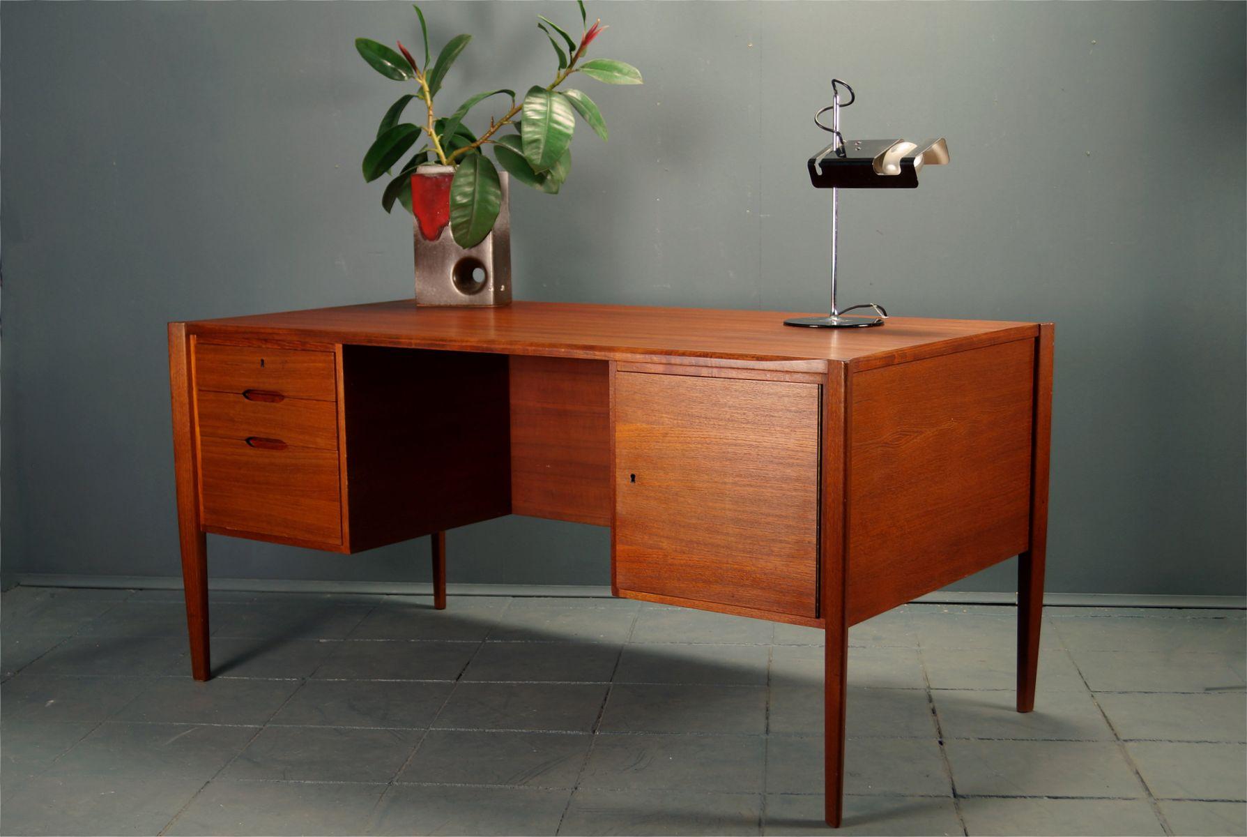 deutscher teak schreibtisch von wilhelm renz 1960er bei pamono kaufen. Black Bedroom Furniture Sets. Home Design Ideas