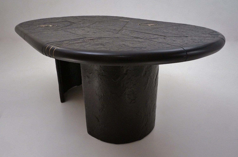 table basse avec un plateau en ardoise et incrustations en laiton par paul kingma 1980s en. Black Bedroom Furniture Sets. Home Design Ideas