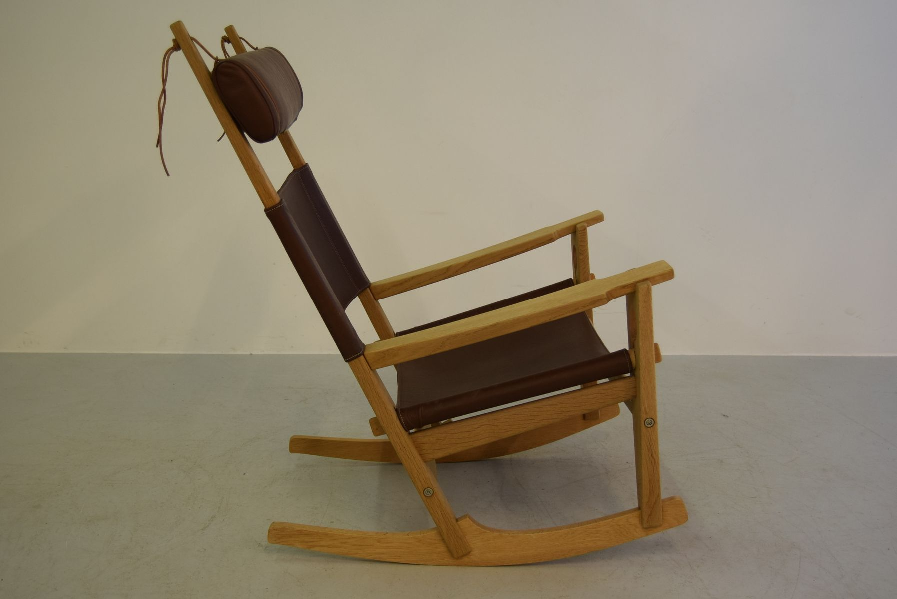Keyhole Rocking Chair Model GE-673 by Hans J. Wegner for Getama, 1960s ...