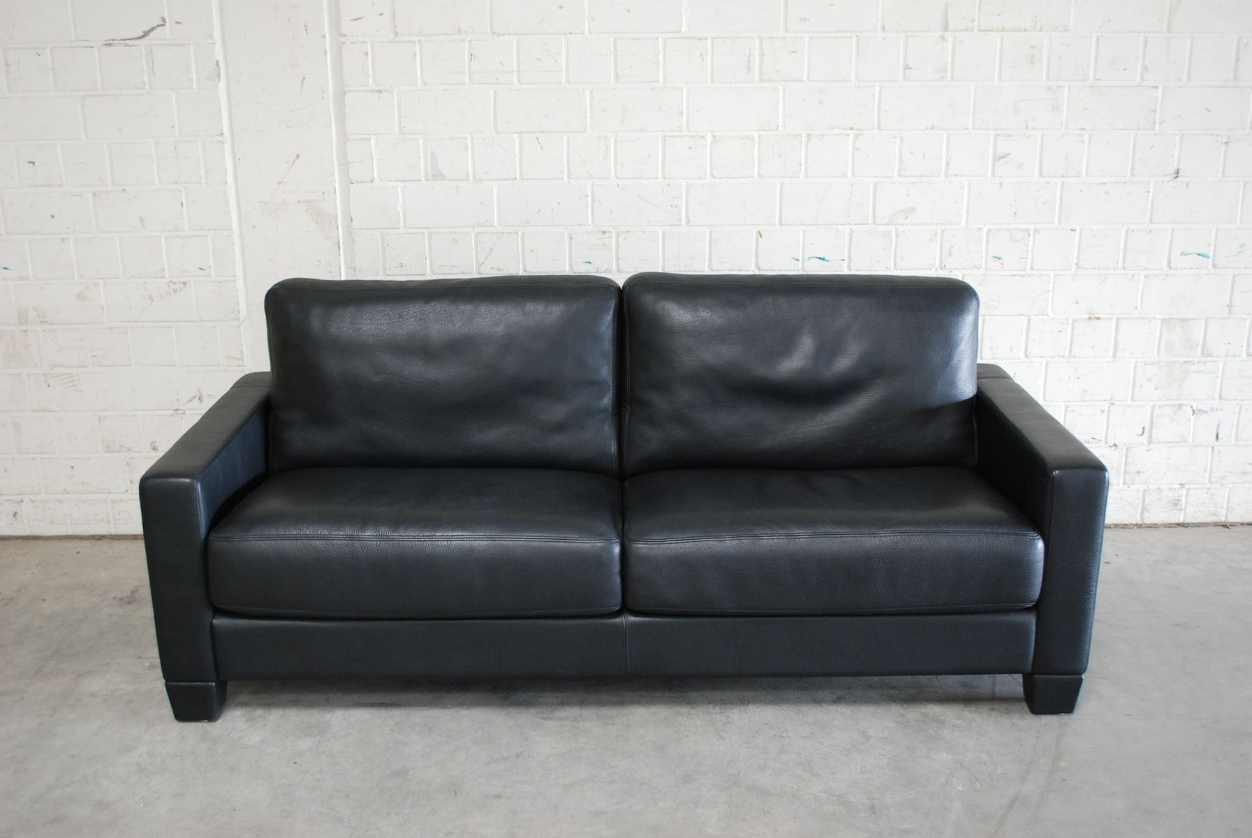 Vintage Swiss DS 17 Black Leather Sofa from de Sede for sale at Pamono