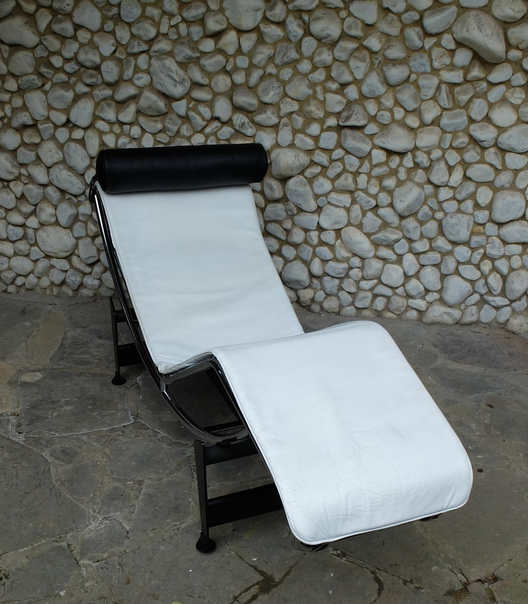 Vintage lc4 chaise longue by le corbusier jeanneret for Chaise longue for sale uk