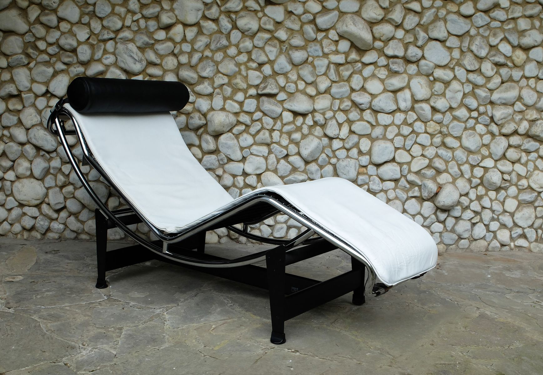 Vintage lc4 chaise longue by le corbusier jeanneret for Chaise longue le corbusier cad