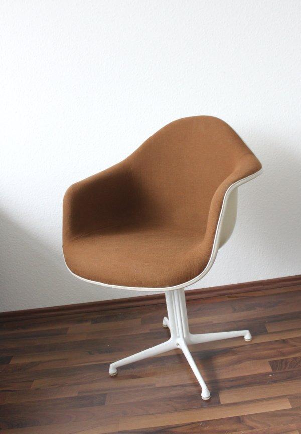 dax stuhl von charles eames f r herman miller bei pamono kaufen. Black Bedroom Furniture Sets. Home Design Ideas