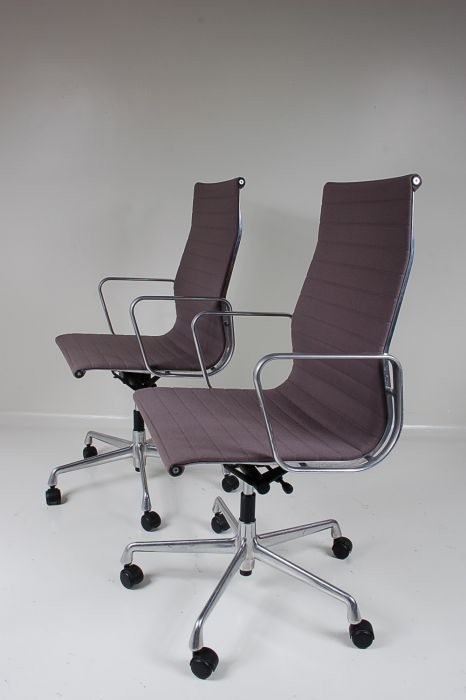 schreibtischstuhl von eames f r herman miller bei pamono kaufen. Black Bedroom Furniture Sets. Home Design Ideas