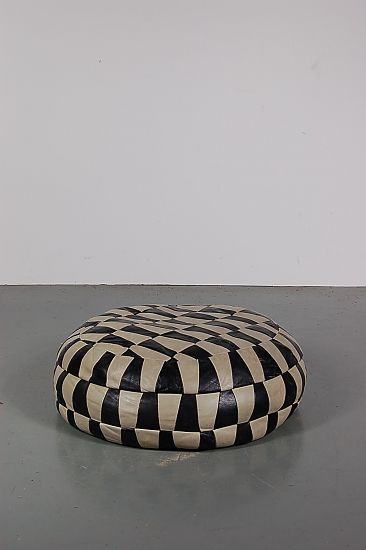vintage black white leather pouf 1960s for sale at pamono. Black Bedroom Furniture Sets. Home Design Ideas